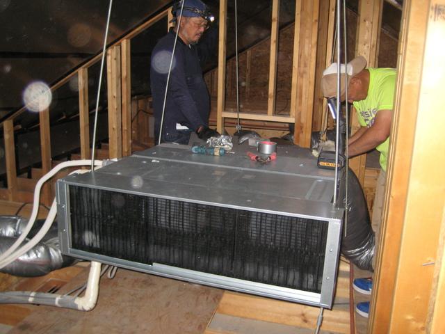 ダクト式エアコンの入れ替え工事を実施
